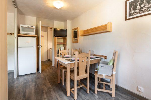 4-person apartment